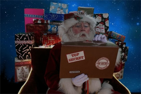 Santa tracker image showing what Santa is doing right now